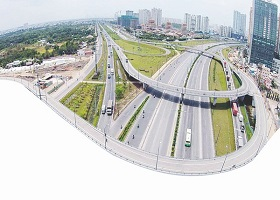 Hạ tầng giao thông: Mừng và lo