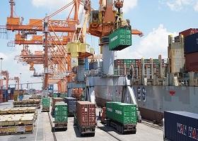 Việt Nam ước nhập siêu 800 triệu USD trong tháng 01/2019